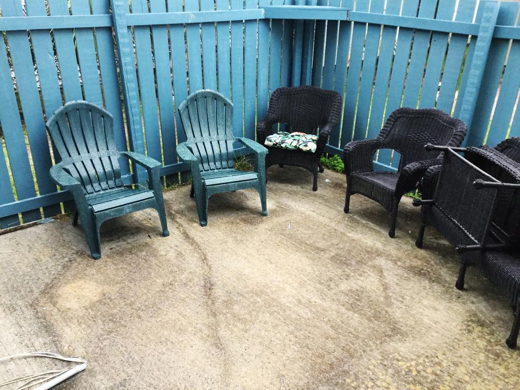 Delphi Cottage patio