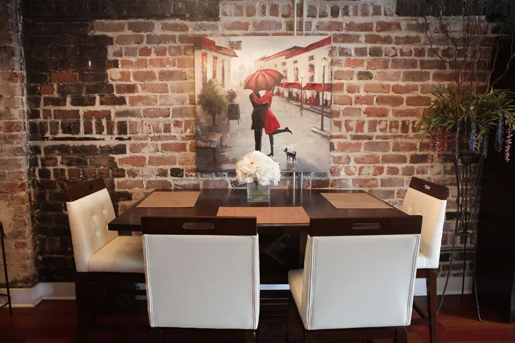 Savannah Loft dining table and picture on wall