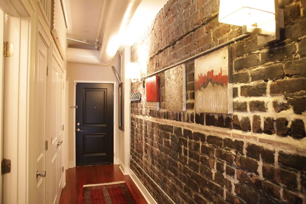 A view from the Savannah Loft foyer showing front door