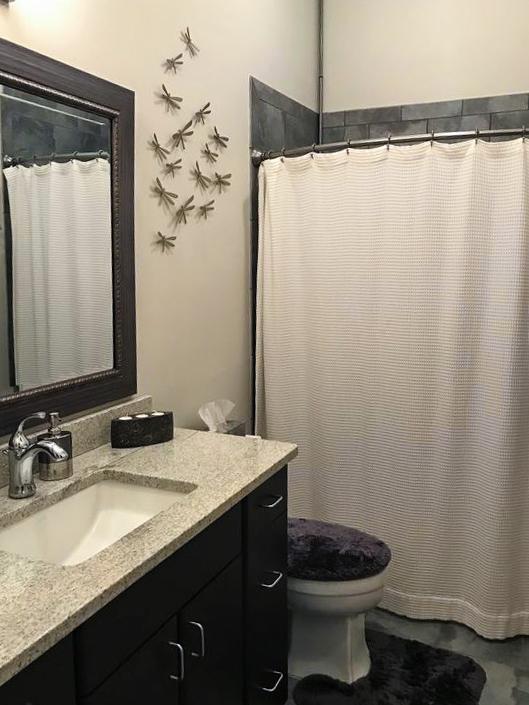 Savannah Loft bathroom.