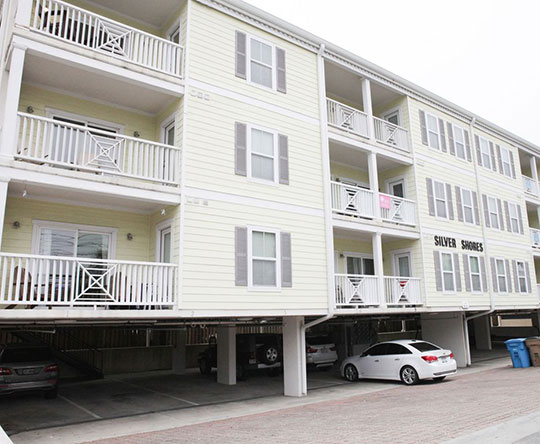 Silver Belle condominium with parking places on Tybee Island